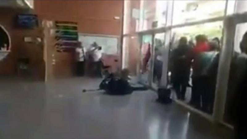Vídeo propuesto por la Fiscalía del guardia civil derribado por una silla en el Instituto Quercus