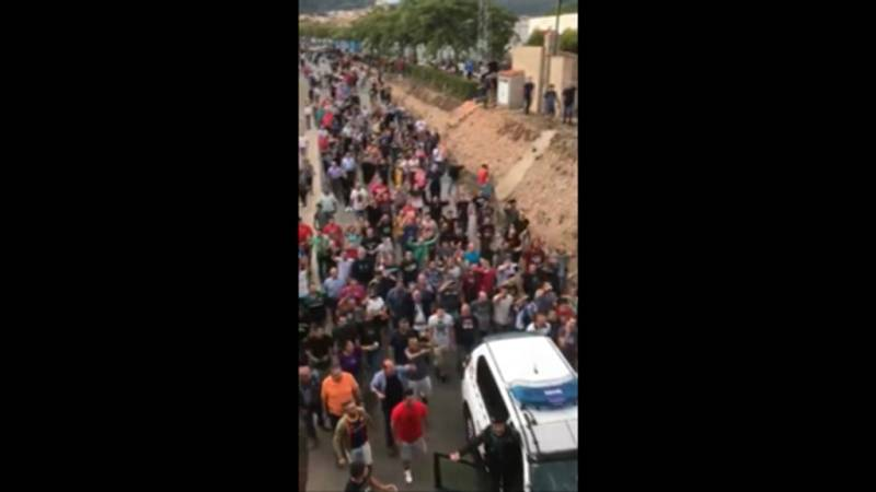 Vídeo propuesto de la Fiscalía sobre la gente 'echando' a la Guardia Civil de Mont-Roig del Camp el 1-O