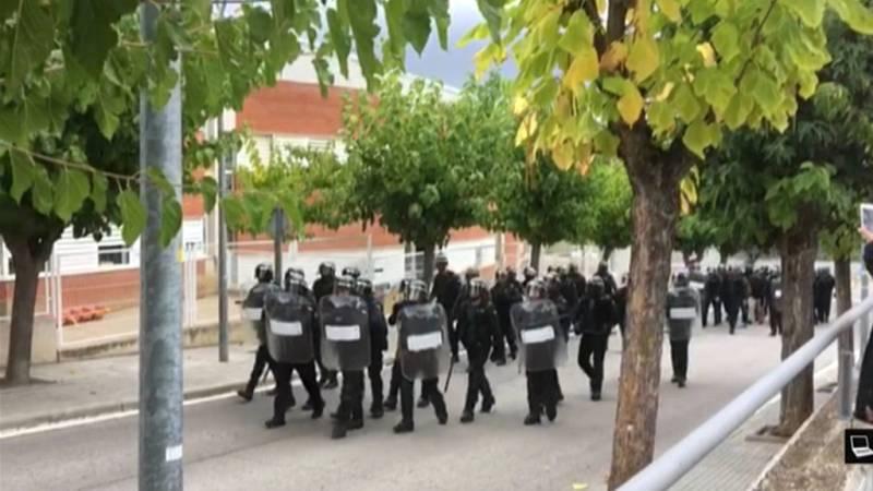 Un agente es agredido cuando se encontraba en el suelo en Sant Esteve de Sesrovires