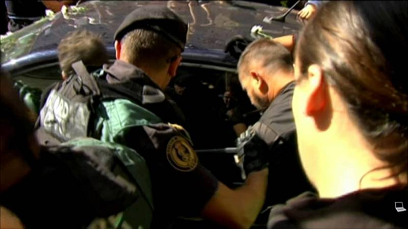 """La Fiscalía muestra el vídeo del intento de """"sustracción"""" de un detenido en Exteriores el 20S"""
