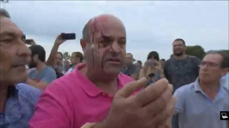 Las defensas muestran vídeos de Sant Carles de la Ràpita donde se ven porrazos y gente con la cabeza ensangrentada