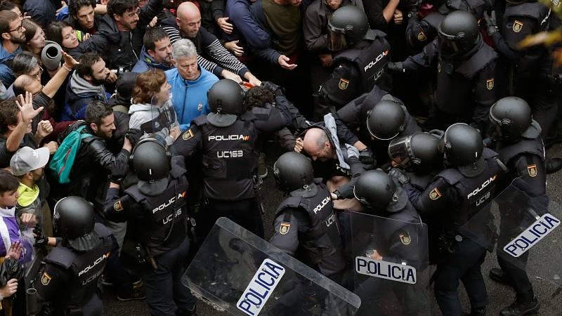 Las defensas intentan demostrar con sus vídeos que la única violencia fue policial