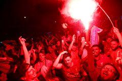 La fiesta 'red' en Madrid tras la victoria del Liverpool