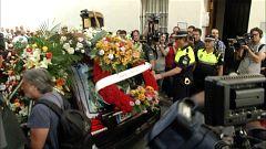 Emotiva llegada del féretro de José Antonio Reyes al funeral en Utrera
