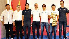 Carapaz y el Movistar celebran el Giro en Madrid sin aclarar el futuro