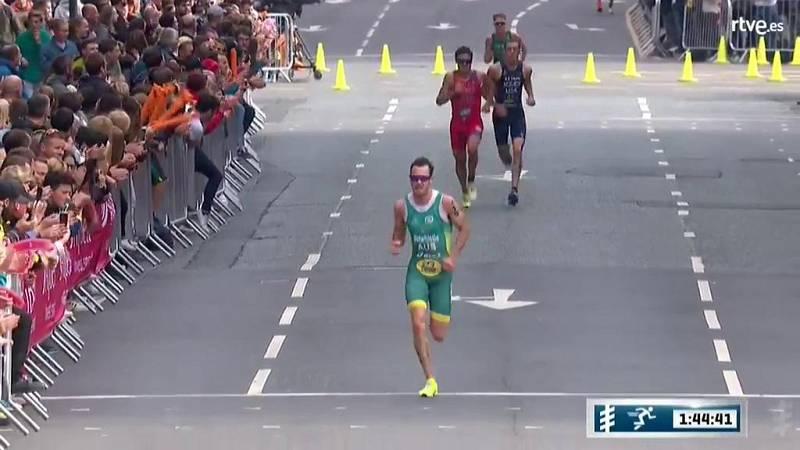 El quíntuple campeón del mundo de la historia del triatlón acabó tercero este domingo la cuarta prueba del Mundial, disputada en la localidad británica de Leeds (Inglaterra), que ganó el australiano Jacob Birtwhistle.