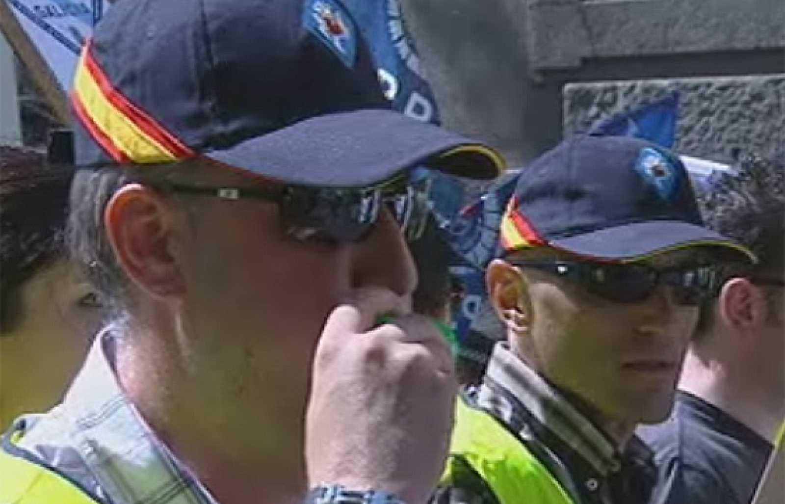 Policías locales se manifiestan por la jubilación a los 60 años