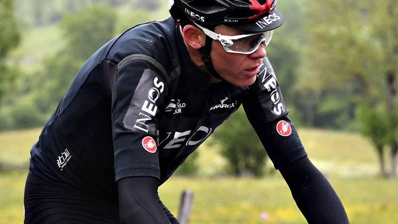 El británico Chris Froome no podrá disputar el Tour de Francia tras haber sufrido este miércoles una fractura de fémur en una caída durante el reconocimiento de la contrarreloj de la Dauphiné en Roanne, informó su equipo.