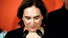 Colau aceptaría ser investida en Barcelona con los votos del PSC y Valls si lo aceptan las bases