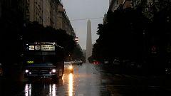 Un fallo masivo en el sistema eléctrico deja completamente a oscuras a Argentina y Uruguay