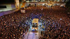 Cientos de miles de manifestantes vuelven a ocupar el centro financiero de Hong Kong para decir 'no' al proyecto de ley de extradición con China continental
