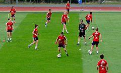 La selección española quiere lograr un pase histórico a octavos ante China