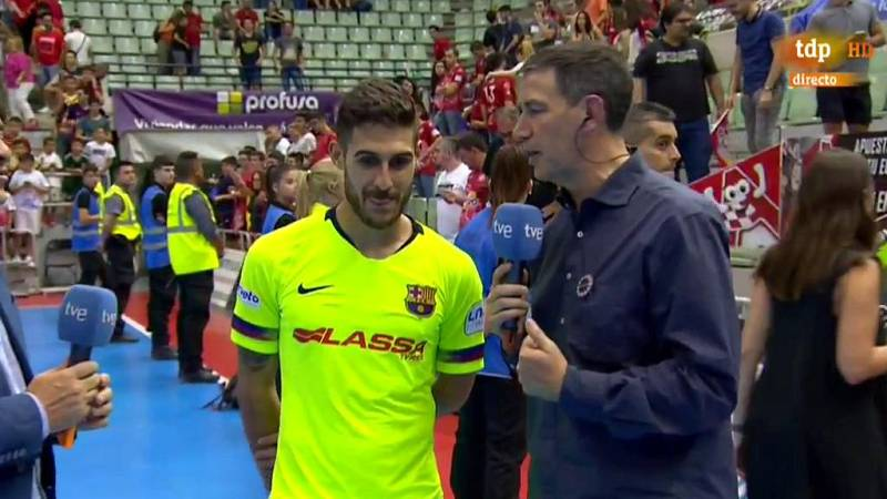 El Barça Lassa y ElPozo Murcia se jugarán el título de la Primera  División del fútbol sala español el próximo sábado en el Palau  Blaugrana después de que el conjunto azulgrana superase la 'bola de  partido' e igualase la serie tras imponerse este l