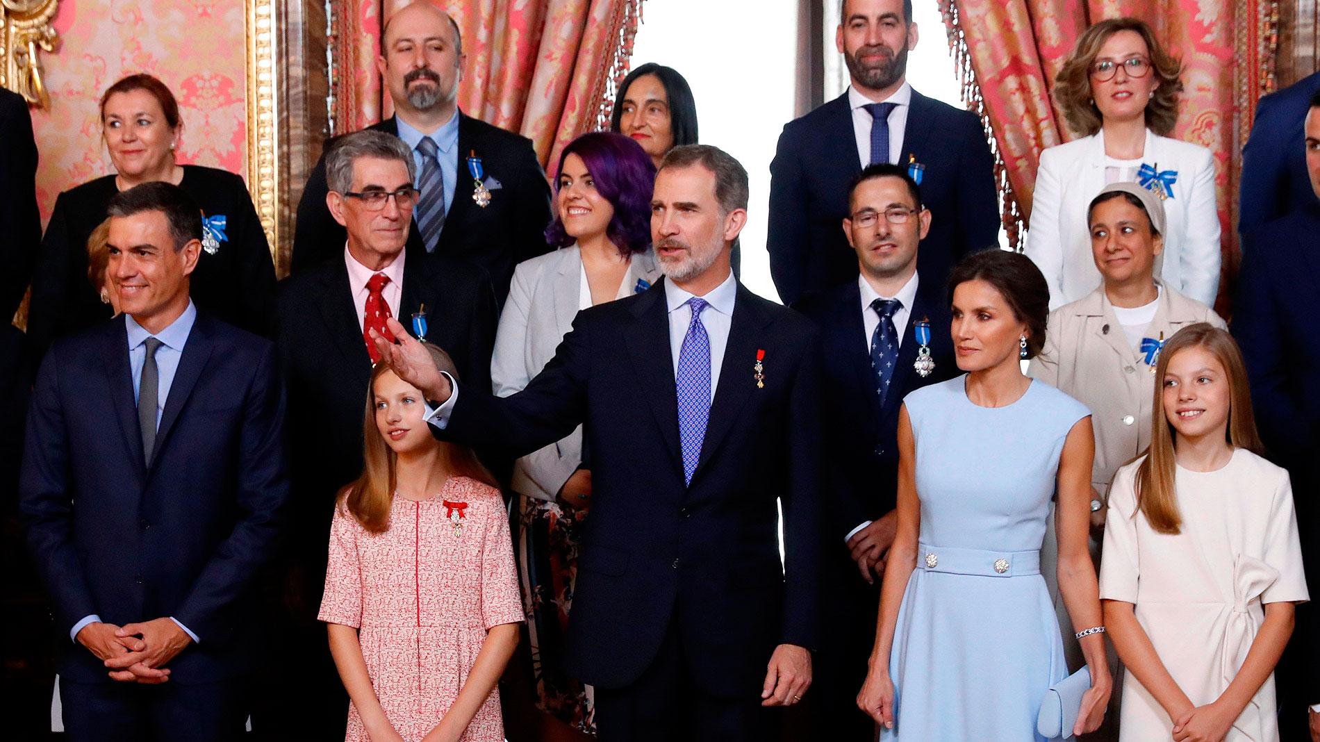 El Rey Concede Las Medallas Al Merito Civil En El Quinto Aniversario De La Proclamacion