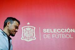 Luis Enrique deja la selección y Robert Moreno se pone al frente del equipo