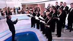 La Orquesta y Coro de RTVE interpreta en plató la sintonía del Telediario por el Día de la Música