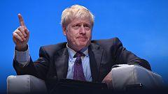 Boris Johnson elude responder preguntas sobre el altercado con su pareja