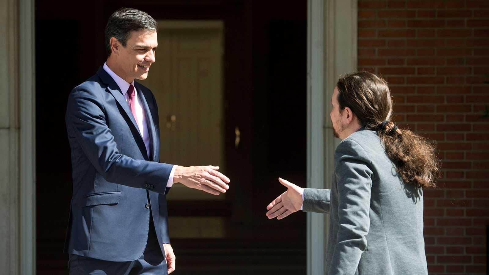 Sánchez insiste en que irá a la investidura con o sin apoyos e Iglesias amenaza con votar en contra si no hay coalición