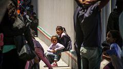 Menores inmigrantes permanecen hacinados en centros de Estados Unidos