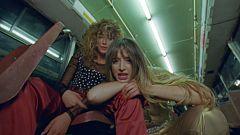 """Corazón - Aitana y Lola Índigo estrenan el videoclip de """"Me Quedo"""""""
