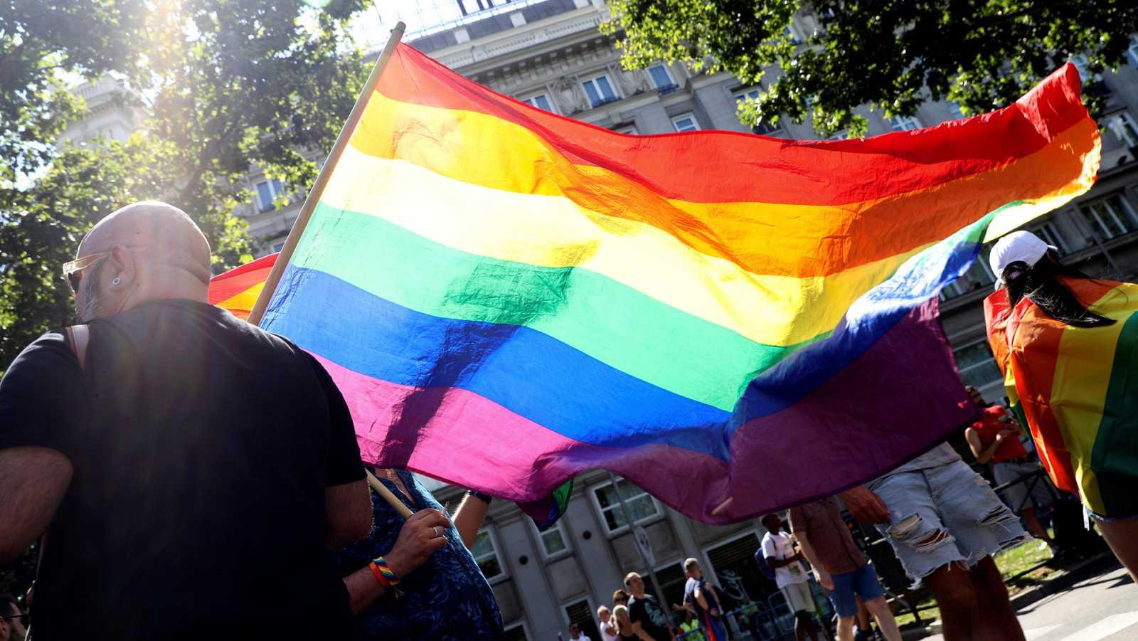 El Orgullo rinde homenaje a los pioneros de la lucha LGTBI