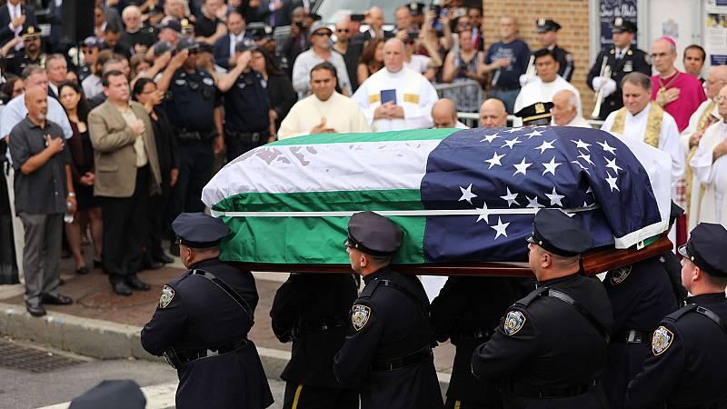 Nueva York despide a uno de sus héroes del 11-S, el policía Luis Álvarez
