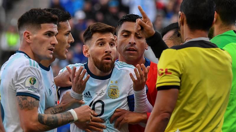 """Messi clama contra """"los árbitros y la corrupción"""" de la Copa América"""