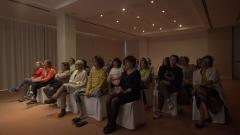 7 días sin ellas - Las mujeres de Bernuy ven un vídeo de sus familias