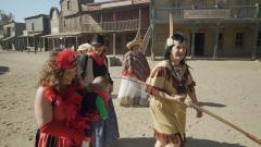 7 días sin ellas - La divertida excursión de las mujeres a Fort Bravo