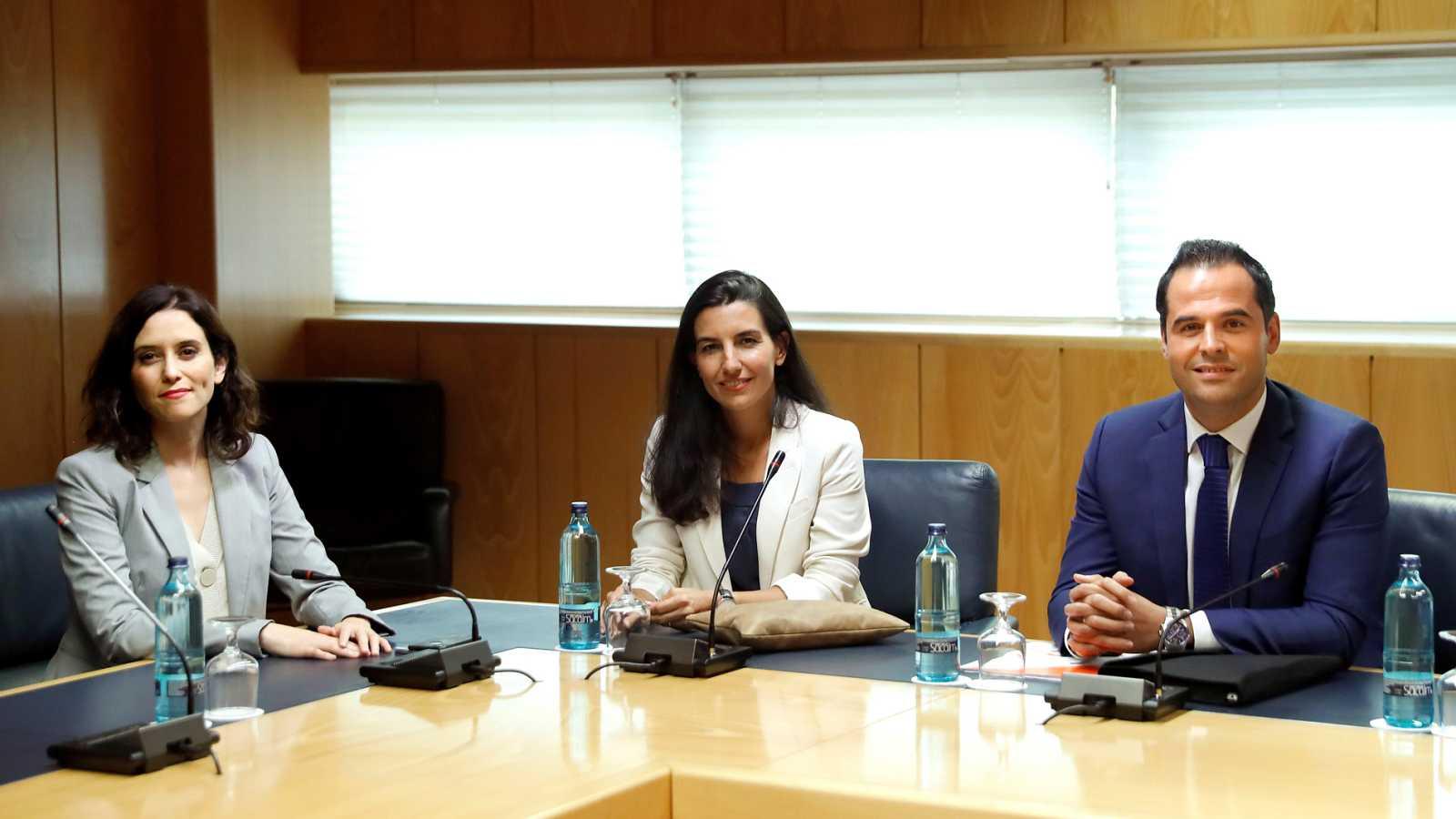 Vox mantiene su veto al pacto de PP y Cs en la Comunidad de Madrid
