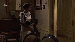 Marcia se desmaya al descubrir a Felipe y Genoveva besándose