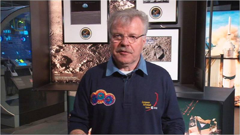 Lab 24 - De la Tierra a la Luna