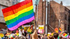 Retiran la custodia a unos padres por agredir a su hijo por ser homosexual