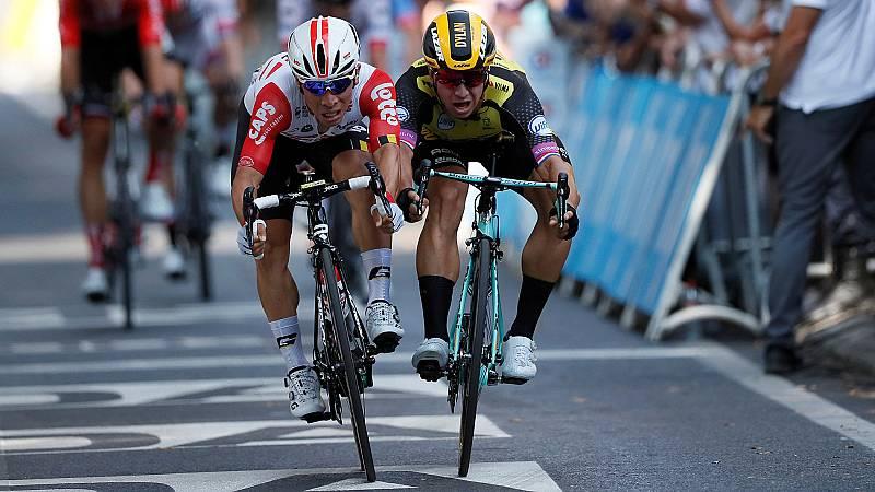 El australiano Caleb Ewan ha ganado en un ajustadísimo esprint en la meta de Toulouse al holandés Groenewegen.