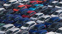 Los fabricantes de coches alertan del descenso de ventas y piden cambiar la fiscalidad desde la compra al uso