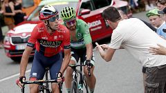Tour 2019: Sagan firma un autógrafo en plena etapa