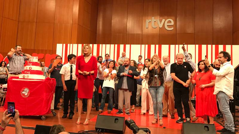 """Pepa Fernández baila """"El roble"""" con su equipo, una canción muy especial para 'No es un día culaquiera' - Ver ahora"""