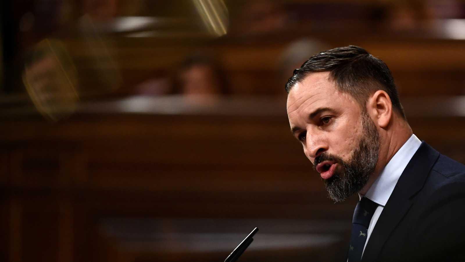 """Debate de investidura: Vox acusa a Sánchez de querer gobernar con """"los enemigos de la nación"""""""