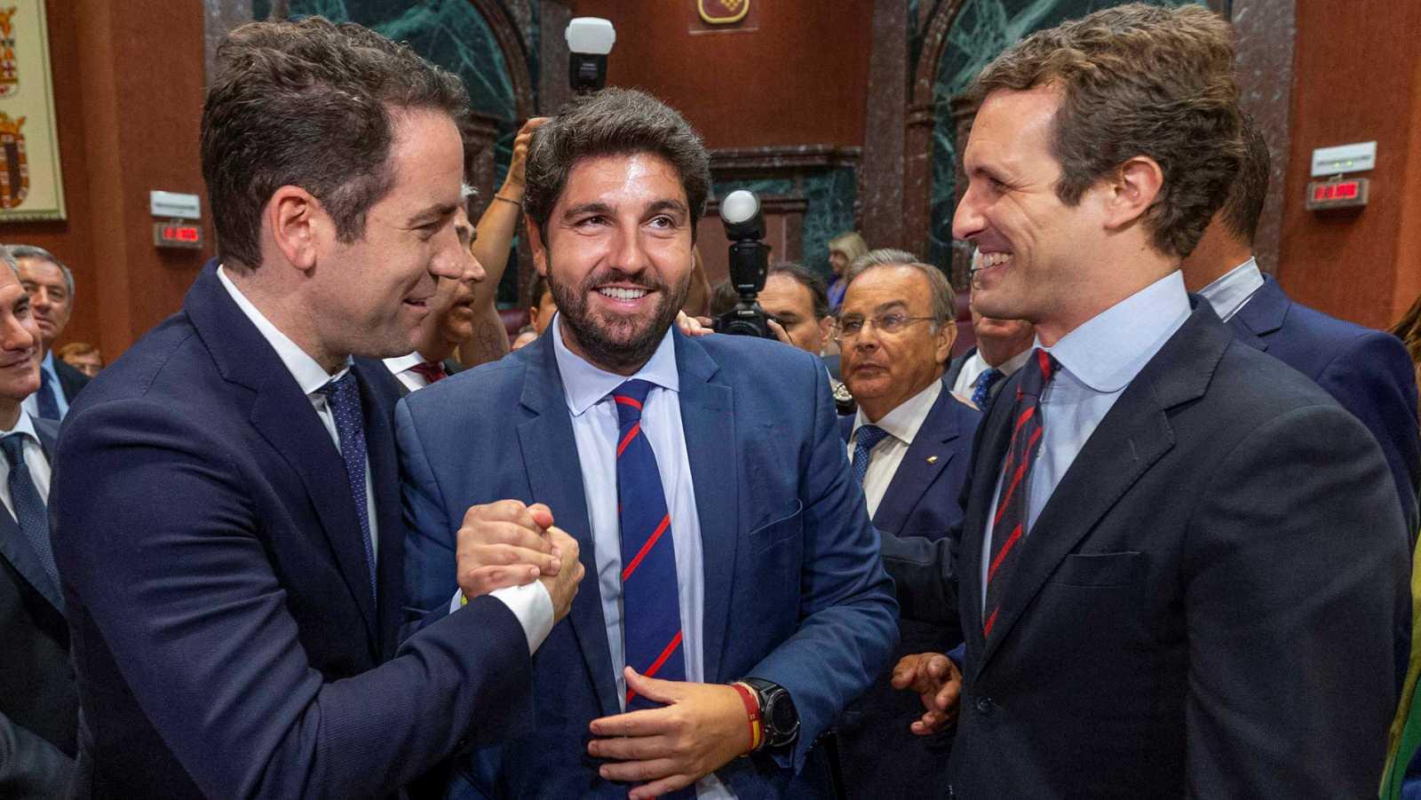 López Miras es investido presidente de Murcia con los votos de PP, Cs y Vox