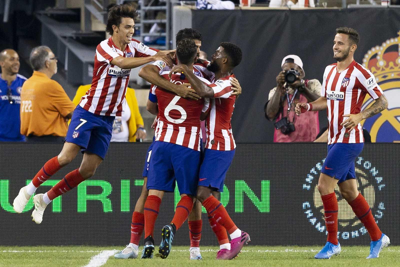 Diego Costa destaca en un Atlético que arrola al Madrid