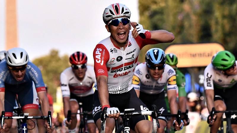 El australiano Caleb Ewan sumó a sus 24 años la prestigiosa victoria en los Campos Elíseos, la tercera que logra en su debut en un Tour de Francia que consagró a Egan Bernal como el primer colombiano de amarillo en el podium de París.
