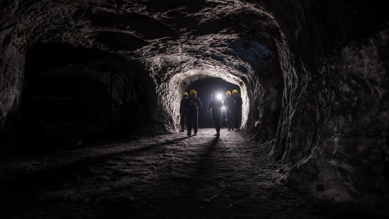 La Mañana - Los protagonistas del encierro entran en directo a la mina