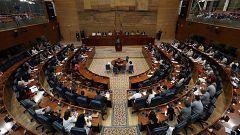 """Vox amenaza con tumbar la investidura de Ayuso y la oposición tilda de """"vacío"""" su discurso"""