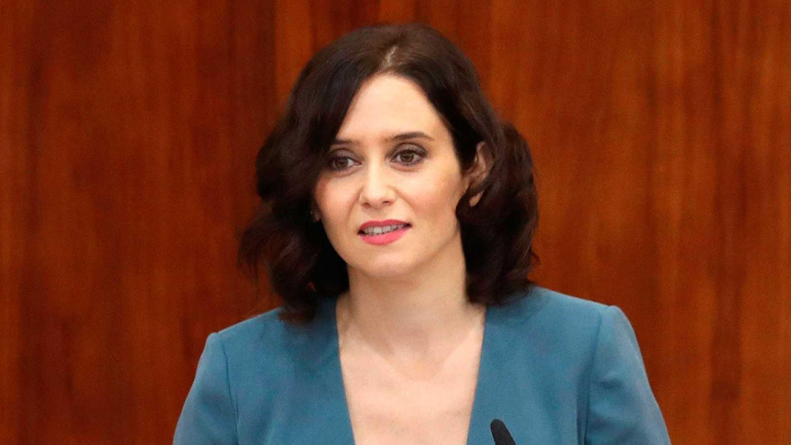 """Díaz Ayuso promete la """"mayor bajada de impuestos de la historia"""" en un discurso con guiños a Cs y Vox"""