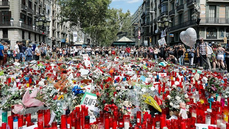 Barcelona conmemora los atentados con los acusados, a los que no se les imputa por asesinato, pendientes de juicio