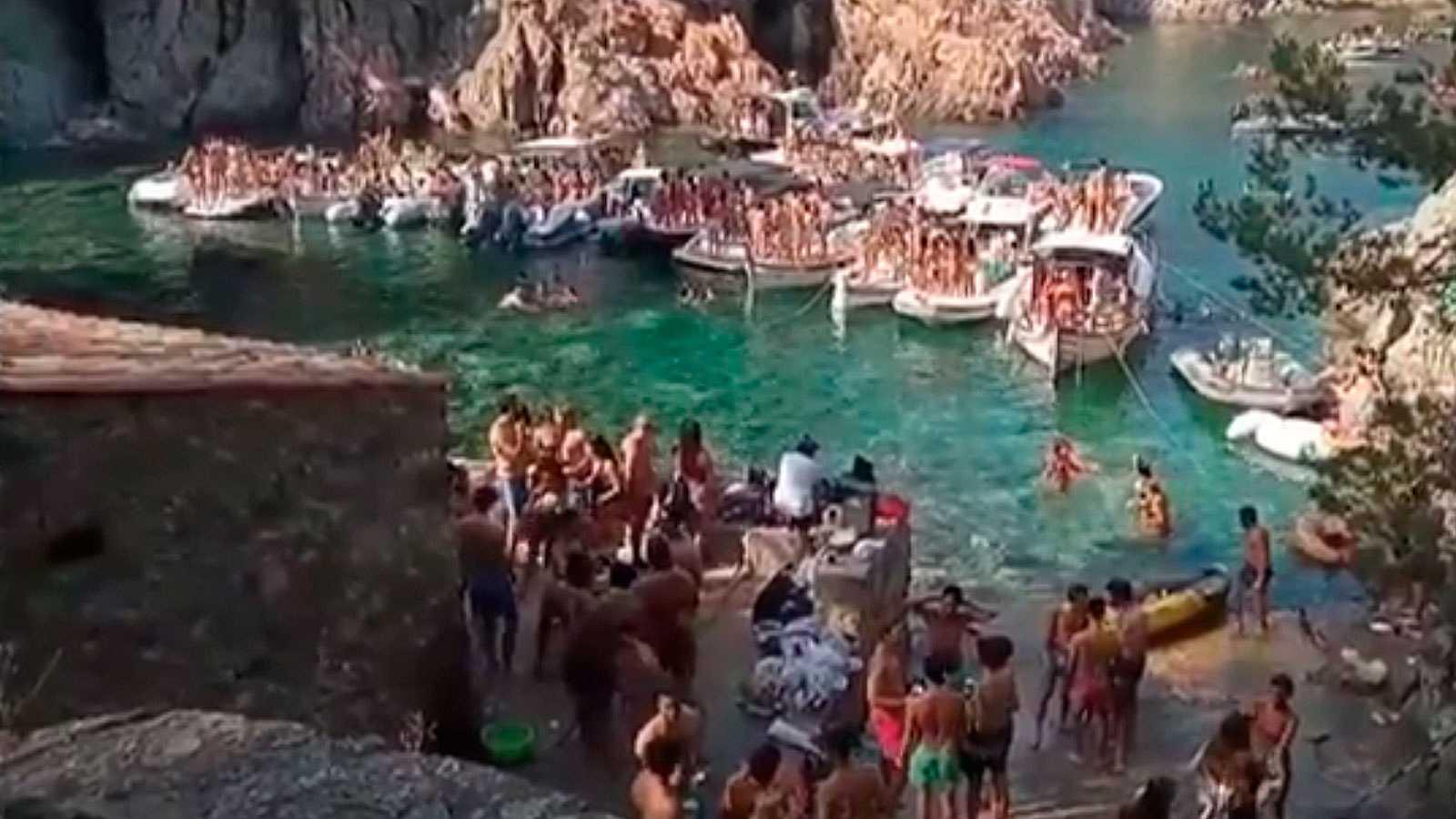 Se instalarán boyas en calas protegidas de la Costa Brava para impedir fiestas