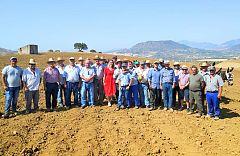Aquí la tierra - Clase teórica y práctica de arado
