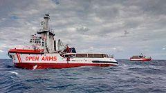 """El Gobierno amenaza con sancionar al Open Arms porque no tiene permiso """"para rescatar"""""""