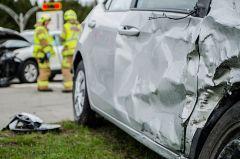La mañana - Un niño de 13 años empotra un coche en un colegio