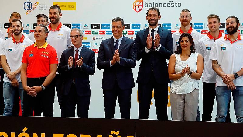La selección española de baloncesto se ha despedido antes de partir hacia el Mundobasket de China con la visita del presidente del Gobierno en funciones, Pedro Sánchez.